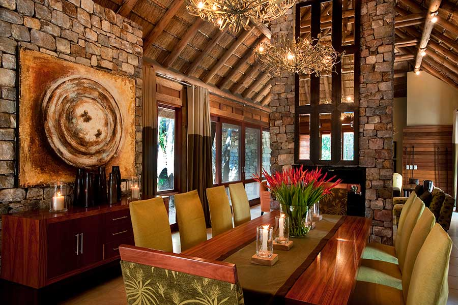 Morukuru river lodge dining room
