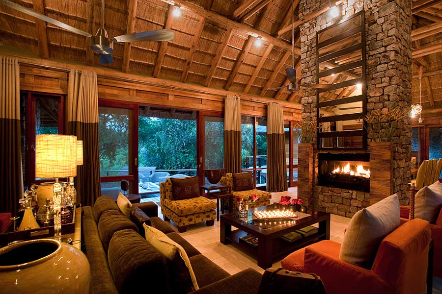 morukuru river lodge lounge
